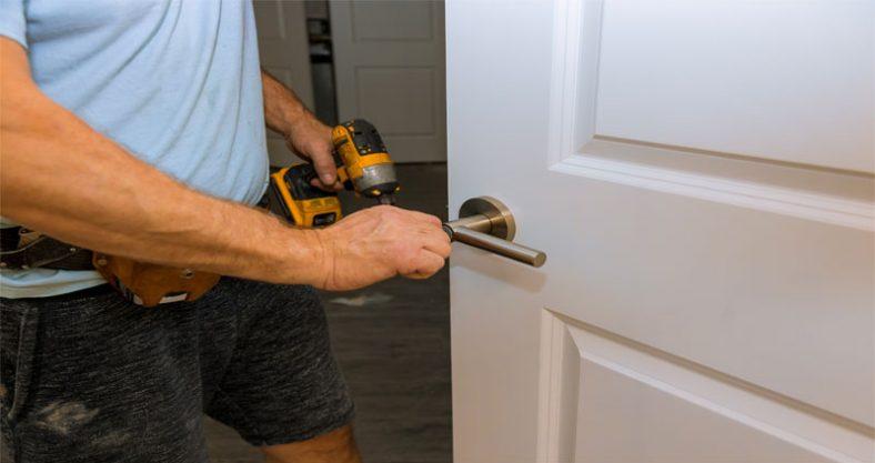 ¿Cómo abrir una cerradura con un taladro?